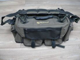 Wychwood Bankman game fishing bag.