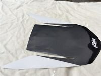 KTM 1290 SUPERDUKE REAR SEAT COWL DECAL PROTECTOR IN WHITE