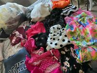 Huge bundles of ladies clothes sizes 6 to 8