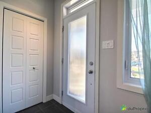 282 500$ - Maison en rangée / de ville à vendre à St-Hyacinth Saint-Hyacinthe Québec image 2