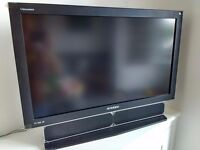 Hyundai Vvuon Imagequest Q321 32 inch HD Ready LCD TV with integrated digital (Freeview) tuner