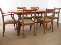 McIntosh Extending Table, 2 carvers and 4 dining chairs in Excellent Condition