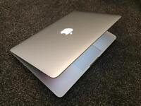 "HIGH PERFORMANCE APPLE MACBOOK PRO, 13-inch, 2.9 GHz Intel ""Core i5"" processor, 3 MB, 8 GB RAM"
