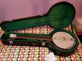 Brand new tanglewood 6 string guitar banjo.