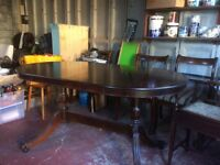 Lovely mahogany dining table and 4 chairs