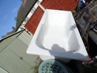 1700mm x750mm WHITE BATH