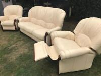 Rossini Italian leather sofa suite excellent condition can deliver