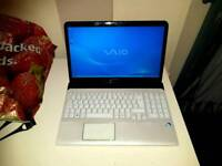 Sony VAIO SVE15 - Laptop