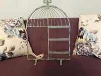KEY HOLDER ***Gorgeous stand*** Like New