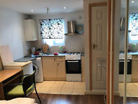 EN SUITE ROOM TO RENT NEAR PLAISTOW TUB STATION- SHORT DISTANCE FROM CENTRAL LONDON