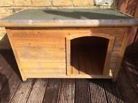Bavarian Flat Roof Timber Dog Kennel (Medium)