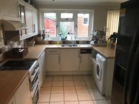 1 bedroom to rent in 3 bed house