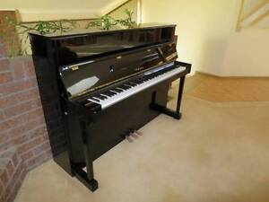 YAMAHA LU-201C Piano - MINT CONDITION Endeavour Hills Casey Area Preview
