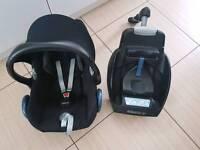 Maxi Cosi car seat and easy base