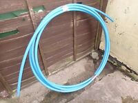 Mains water pipe ( blue )