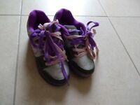 Girls Heelys size 5