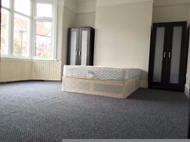 Pets ok! 6 double rooms in the same house. Great location, next to park