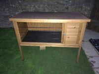 Single hutch excellent condition only used for 1 day