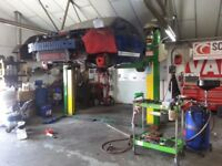 2 Post Car Lift - 2.5 Ton, 3 Phase, Italian, No load nut wear, NOT chain driven!