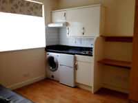 SELF CONTAINED STUDIO FLAT IN WATFORD ***620PCM ***ALL BILLS INCLUDED***