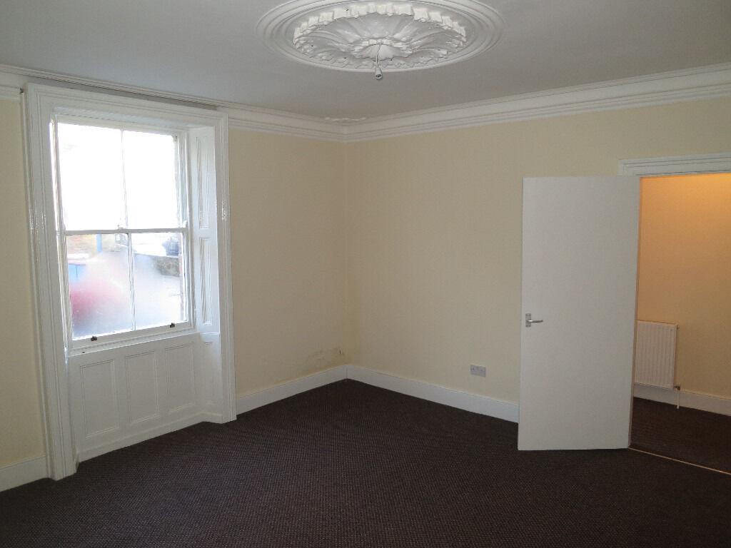 Tynemouth Village, 1 bed flat near beach. Guarantor required. NO DEPOSIT £115.00pw