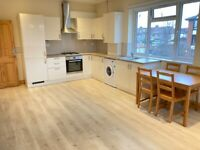 Quality 1st Floor 2 DBed Flat Bath Shower Open Kitchen Dining Sitting Very Near Rail Tube Bus Shops