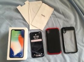 UNLOCKED iPhone X / 10 64 GB White Excellent Condition with 2 cases and screen protector