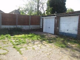 *REAR GARAGE TO LET*EXCELLENT LOCATION*SUITABLE TO PARK ONE CAR**IDEAL FOR STORAGE**WAKE GREEN RD **