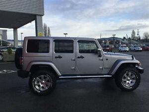 2014 Jeep Wrangler Unlimited Sahara 4X4, Leather, Local, NEW Tir Comox / Courtenay / Cumberland Comox Valley Area image 4