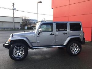 2014 Jeep Wrangler Unlimited Sahara 4X4, Leather, Local, NEW Tir Comox / Courtenay / Cumberland Comox Valley Area image 2