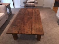 Large oak coffee table in superb condition