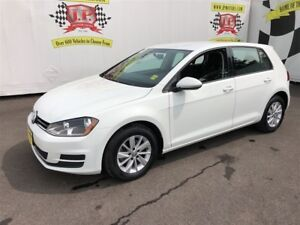 2017 Volkswagen Golf Comfortline, Auto, Heated Seats, Back Up Ca