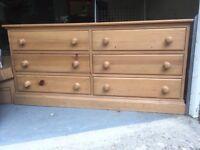 Pine drawers , 6 drawers .