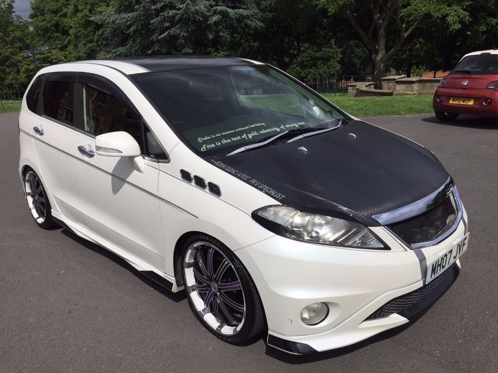 modified rare facelift honda edix frv 2 0 vtec automatic 75k pearl white full body kit show. Black Bedroom Furniture Sets. Home Design Ideas