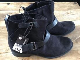 Black Ankle boots (2 pairs available)