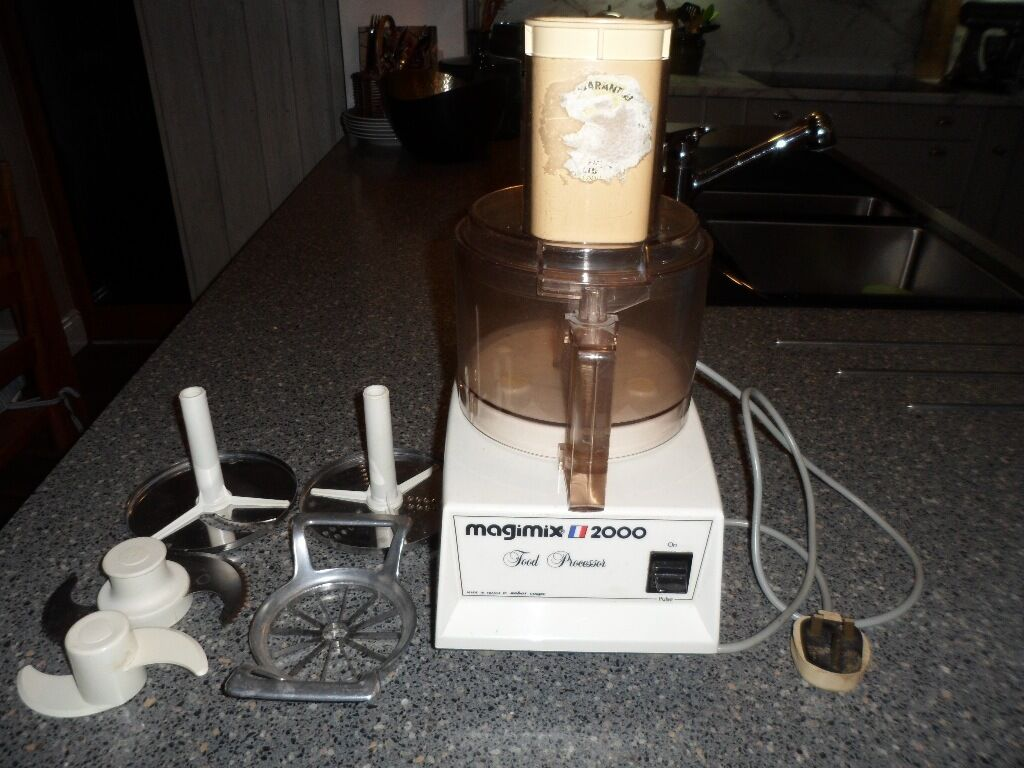 Magimix 2000 food processor and various attachments very for Cuisine 2000