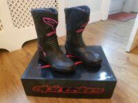 Alpinestar SMX Boots - Fuschia