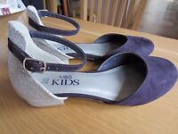 Girls Shoes, Size 3