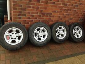 Nissan Terrano/ Ford Maverick alloys with tyres