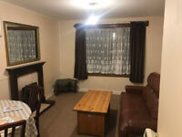 3 BEDROOM FLAT, FURNISHED, 5-7 MINUTES WALKING DISTANCE TO CITY CENTRE, £500 A MONTH