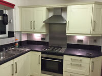 Fully Furnished Large Double Room Avaiable in Spacious House ** All Bills Included ***