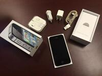 iPhone 4S 16GB Bell, comme neuf + accessoires