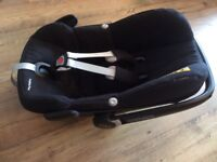 Maxi Cosi Pebble Plus (iSize) baby car seat - hardly used, excellent condition. Up to 12 months.