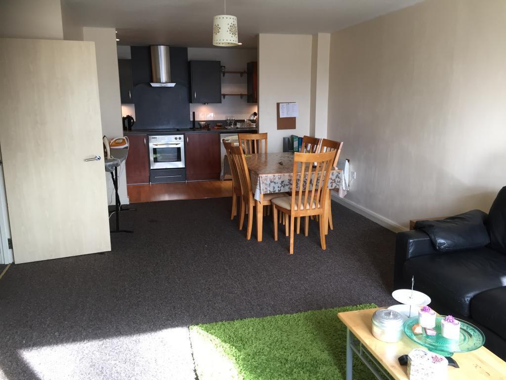 2 bedroom flat in Landmark Place, Churchill Way, Cardiff, CF10 ...