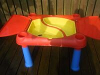 SAND AND WATER TABLE WITH LID
