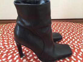 Ladies Black Leather Dune Boots. Size 4