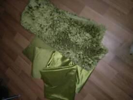 Green soft furnishings