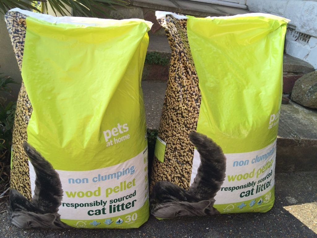 new and unopened pets at home non clumping wood pellet cat. Black Bedroom Furniture Sets. Home Design Ideas