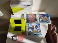 Nintendo DS Lite Green + 4 Games