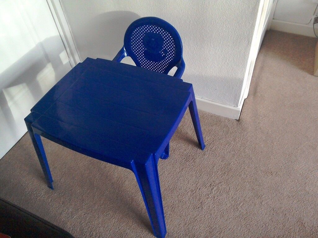 KIDS/CHILDRENS TABLE AND CHAIR £4